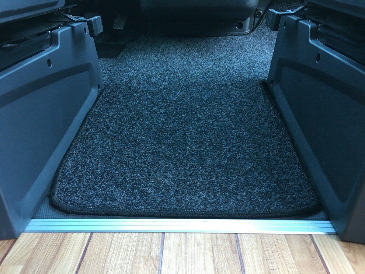 fahrerhausmatte und teppich im wohnraum camping family. Black Bedroom Furniture Sets. Home Design Ideas