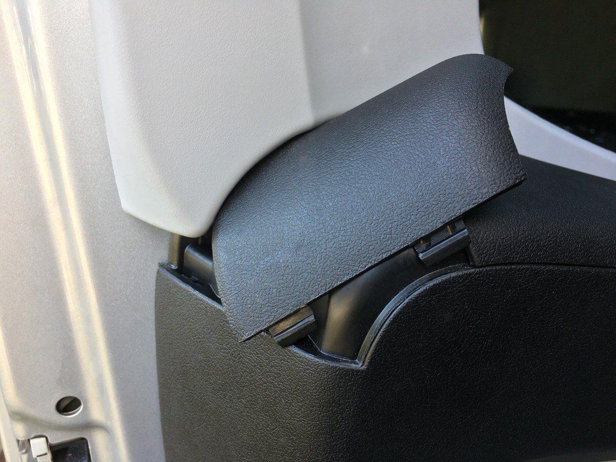 Awesome Der Winkel Wird Nach Dem Entfernen Der Inneren Türverkleidung, Einfach  Zusammen Mit Den Beiden Originalschrauben Der Türgriffe Befestigt.