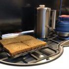Ein knuspriges Toast auch auf dem Gasherd zubereiten